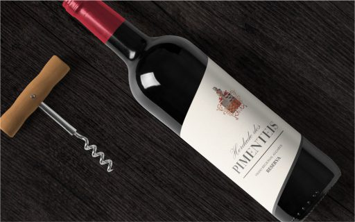 Design de rótulo de garrafa de vinho da Herdade dos Pimenteis