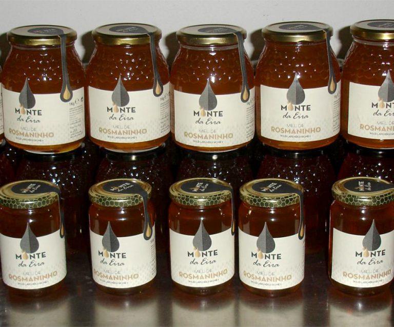 Design de rótulos de mel de rosmaninho do Monte da Eira
