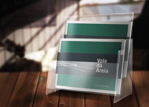 Design de brochuras para o projeto Vale da Areia do arquiteto Ricardo Pina